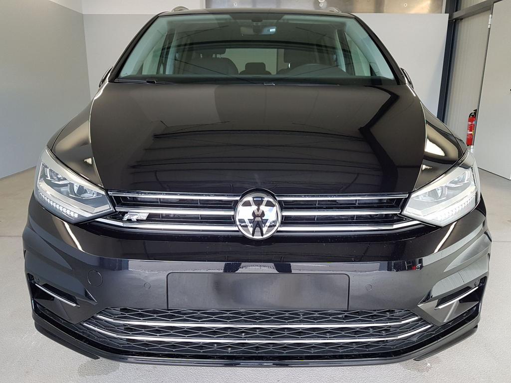 Volkswagen / Touran / Schwarz /  /  / WLTP - 1.5 TSI DSG 110kW / 150PS