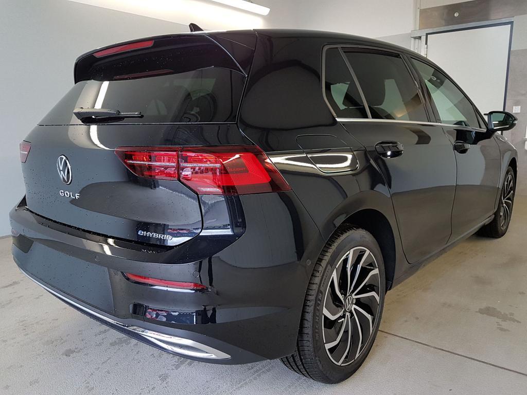 Volkswagen / Golf / Schwarz /  /  / WLTP 1.4 eHybrid DSG OPF 110kW / 204PS