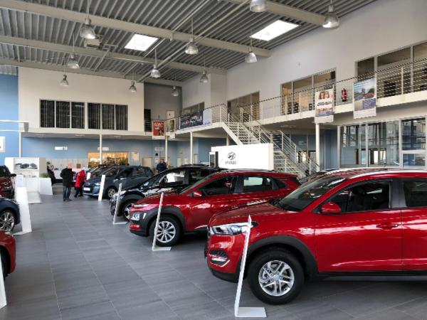 Melden Sie sich zu einer unverbindlichen Probefahrt mit einem unserer Hyundai Modelle an und lassen Sie sich beraten. Profitieren Sie von unserer großen Auswahl an Neuwagen, Vorführwagen und Tageszulassungen.