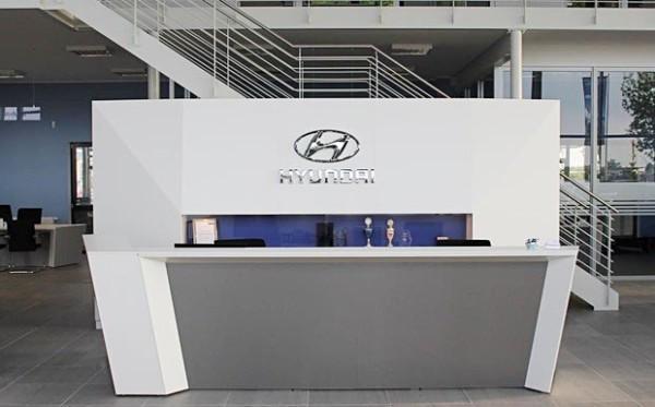 Lassen Sie sich in unserem neuen Autohaus in Potsdam freundlich empfangen und von unserem Service verwöhnen.