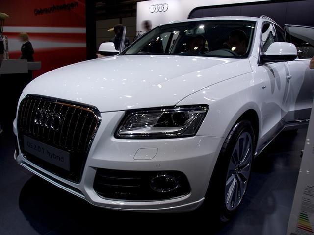 Lagerfahrzeug Audi Q5 - Quattro 2,0TDI Clean Diesel 140KW/190PS S-tronic S-Line Navigation, Xenon