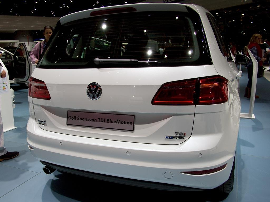 volkswagen golf sportsvan 2 0 tdi scr dsg comfortline. Black Bedroom Furniture Sets. Home Design Ideas