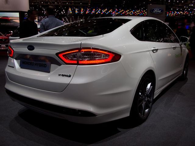 Ford Mondeo 2,0 Hybrid Titanium Automatik