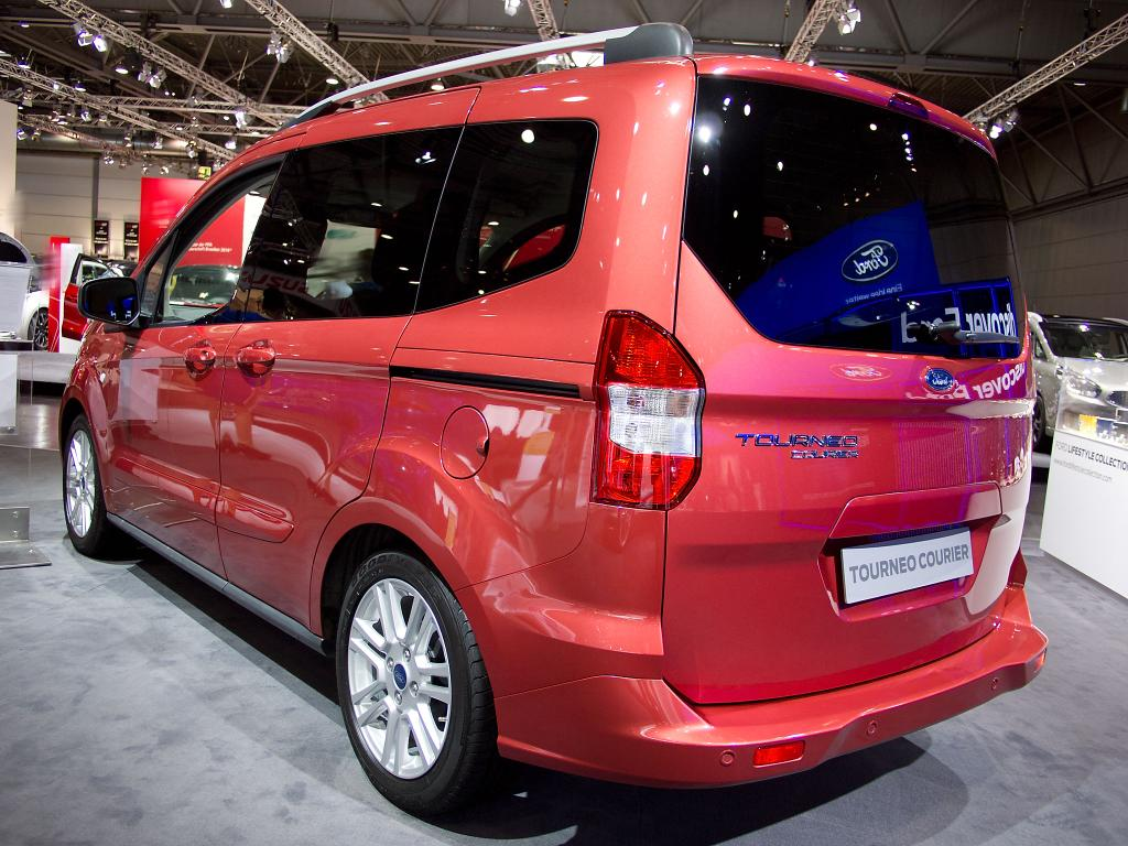 ford tourneo courier 1 5 tdci 74kw trend neuwagenrabatt. Black Bedroom Furniture Sets. Home Design Ideas