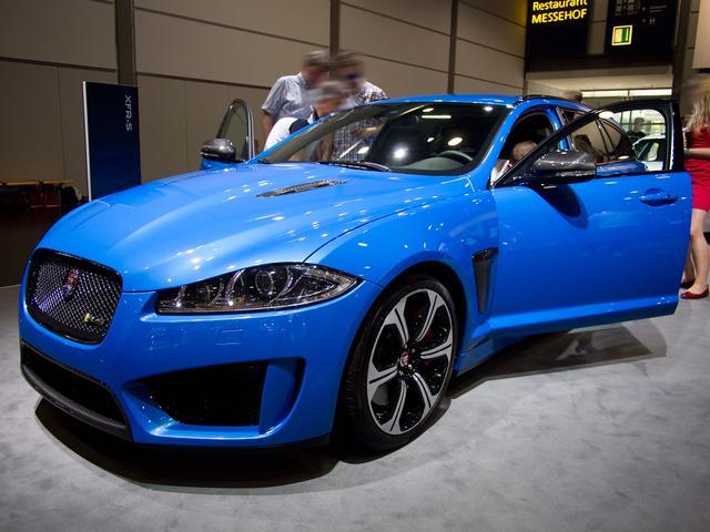 Jaguar XF - Standard