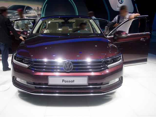 Volkswagen Passat - Highline, R-Line Paket