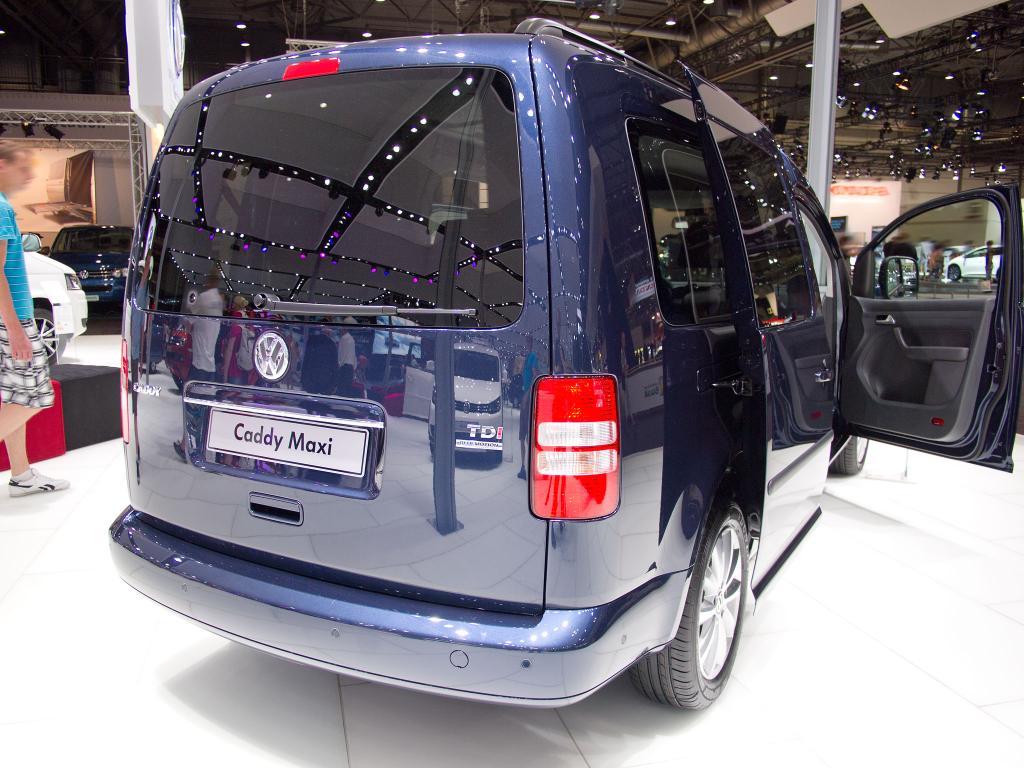 volkswagen caddy maxi conceptline 1 4 tsi bmt radiovorbereitung reserverad eu neuwagen. Black Bedroom Furniture Sets. Home Design Ideas