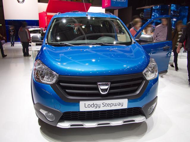Dacia Lodgy - Arctica Fracht frei Haus, Klimaanlage, Außenspiegel elektrisch, Dachreling, Nebelscheinwerfer und dt. Bedienungsanleitung
