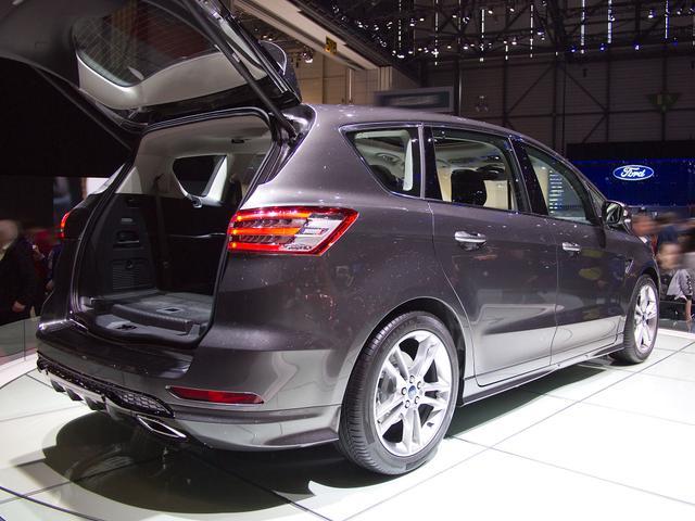 Ford S-MAX 2,0 EcoBlue 140kW 4x4 Titanium Auto