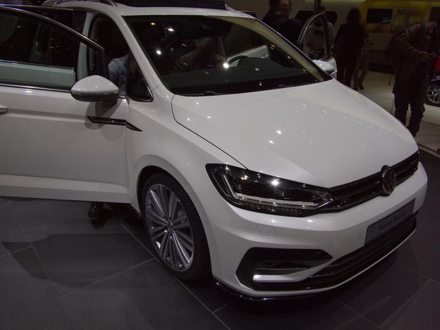 Volkswagen Touran - Trendline 1,6 TDI SCR 115 PS, Schaltgetriebe - Bestellfahrzeug frei konfigurierbar