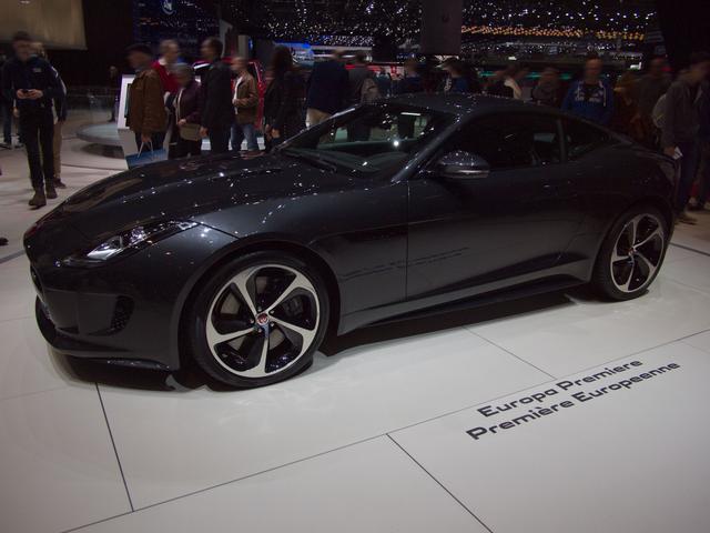 Jaguar F-Type Coupé - 3.0 L P380 V6 Kompressor AWD Automatik