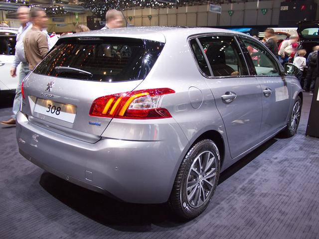 Peugeot 308 - PureTech 110 Access