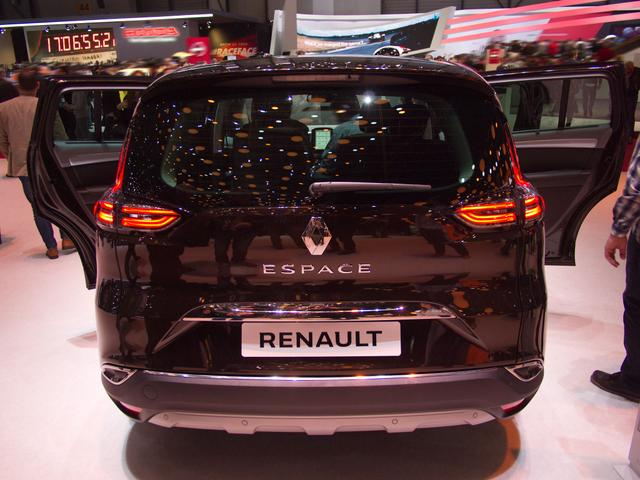 Renault Espace TCe 225 EDC GPF Initiale Paris