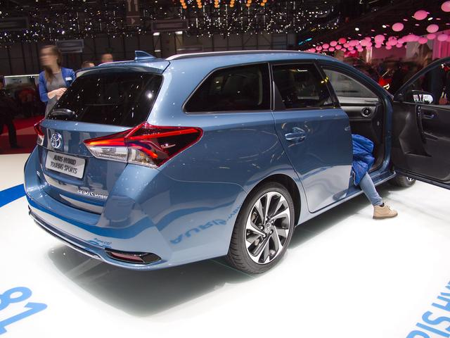 Toyota Corolla Touring Sports 2,0 Hybrid Comfort