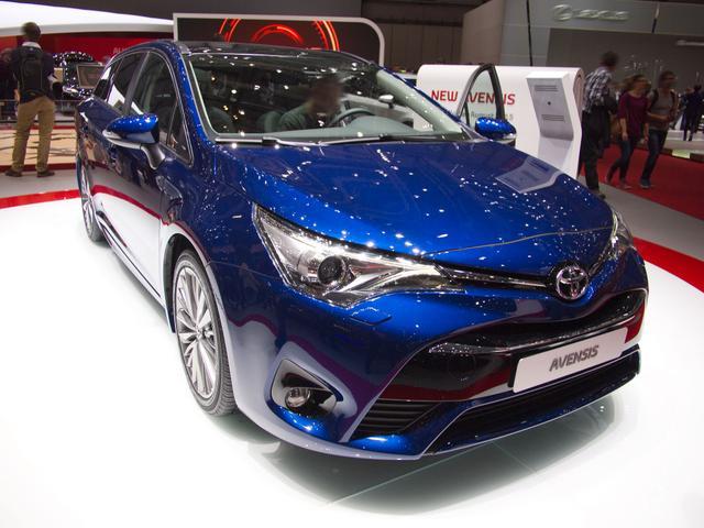 Toyota Avensis Combi - 1,8-l-Valvem. Executive Touring Sports