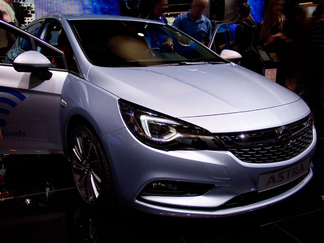 Opel Astra - Business
