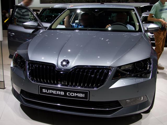 Skoda Superb Combi - L&K 2,0TSI 200kW/272PS 4x4 DSG 7-Gang