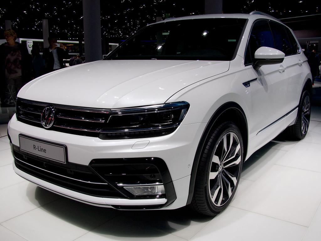 volkswagen tiguan r line black style 2 0tsi opf 4motion. Black Bedroom Furniture Sets. Home Design Ideas