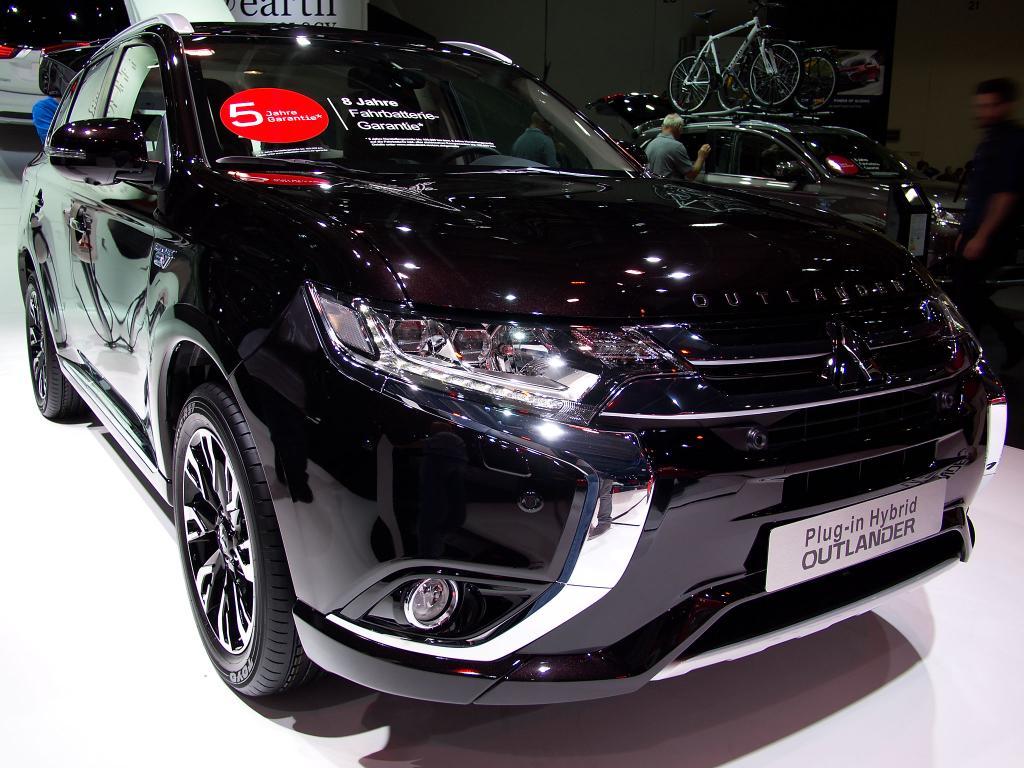 mitsubishi outlander 2.0 benziner plus cleartec 2wd   restart-auto