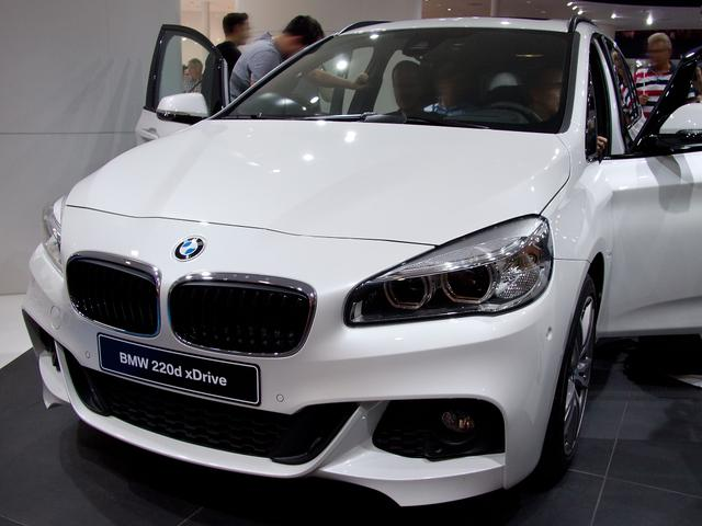 BMW 2er Active Tourer - 218d xDrive Sport Line