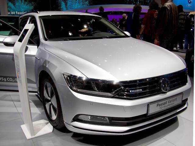 Volkswagen Passat Variant - 1.6 TDI SCR DSG