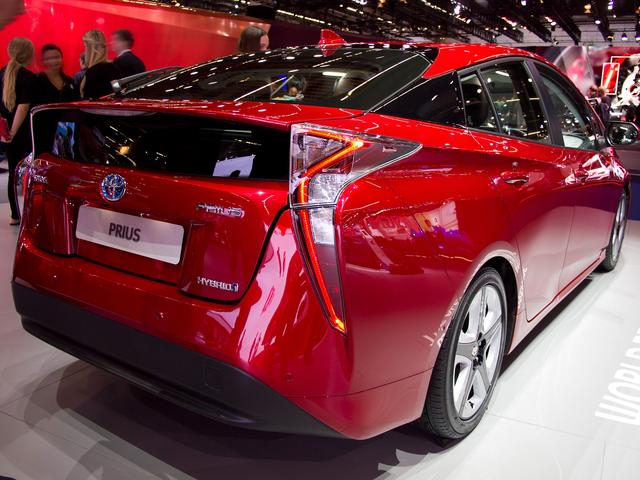 Toyota Prius      1.8-l-VVT-i Plug-in Executive