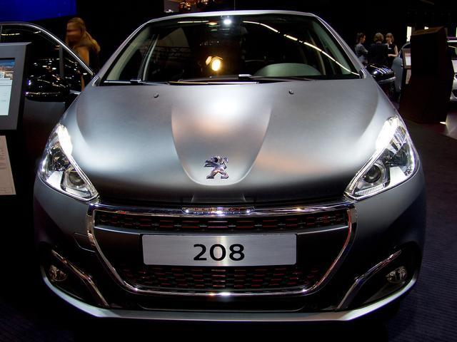 Peugeot 208      Elektromotor 136 Allure