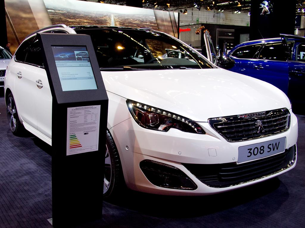 peugeot 308 sw bluehdi 130 style diesel   eu-neuwagen, reimport bis zu 35%  günstiger