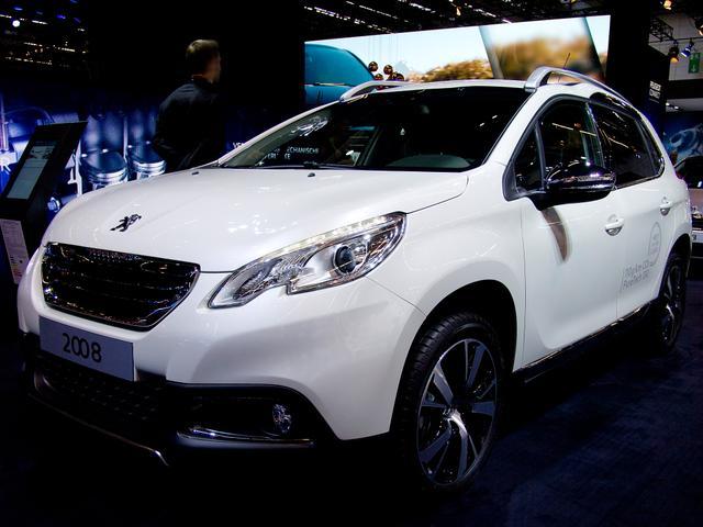 Peugeot 2008 - PureTech 130 EAT8 Allure