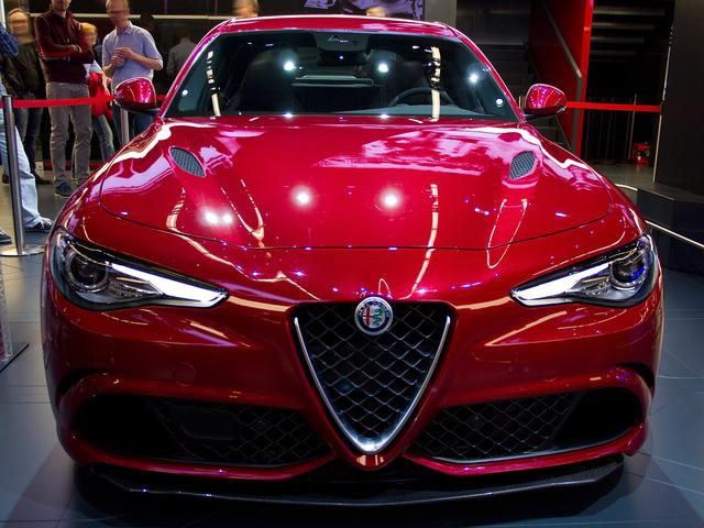 Alfa Romeo Giulia - 2.9 V6 Bi-Turbo 375 kW AT8 Quadrifoglio