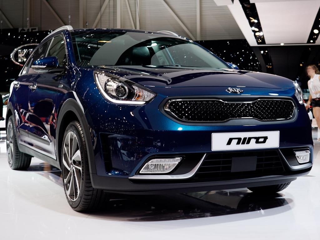 kia niro 1 6 gdi hybrid spirit benzin eu neuwagen. Black Bedroom Furniture Sets. Home Design Ideas