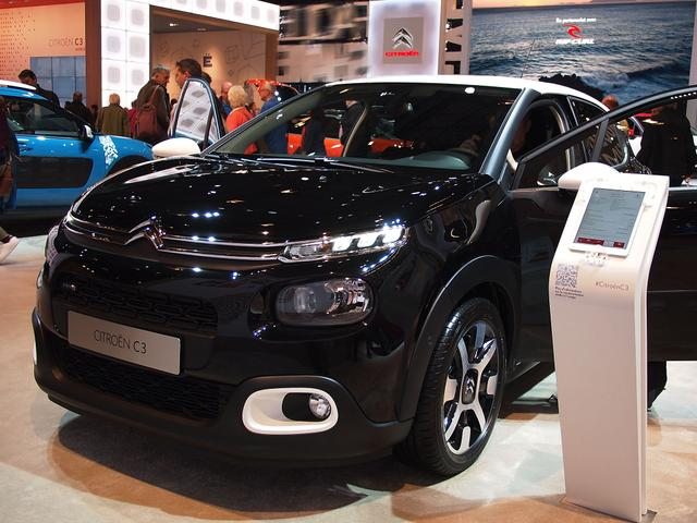 Citroën C3 - PureTech 110 Stop&Start SHINE EAT6