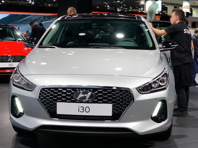 Hyundai i30 - 1.4 T-GDI Premium Fastback