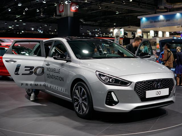 Hyundai i30 - 1.6 CRDi 100kW Premium Fastback