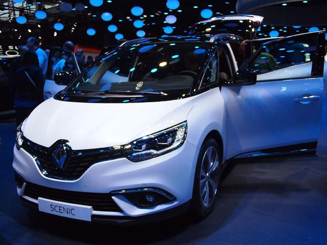 Renault Scenic      TCe 140 EDC GPF Intens