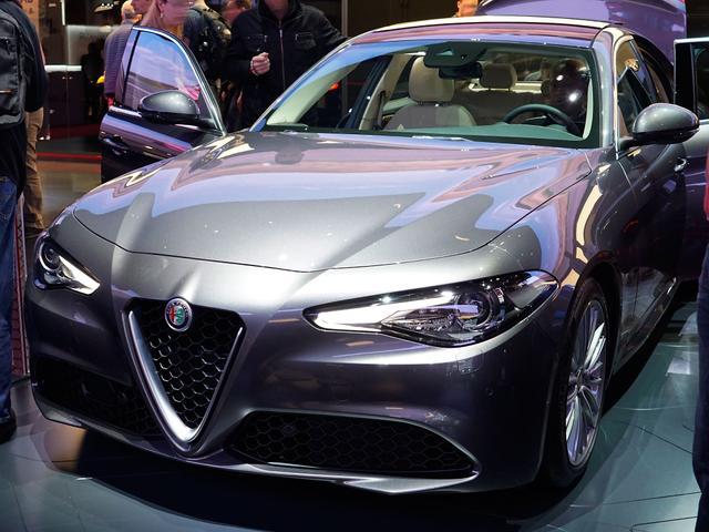 Alfa Romeo Giulia - 200 Super Edizione