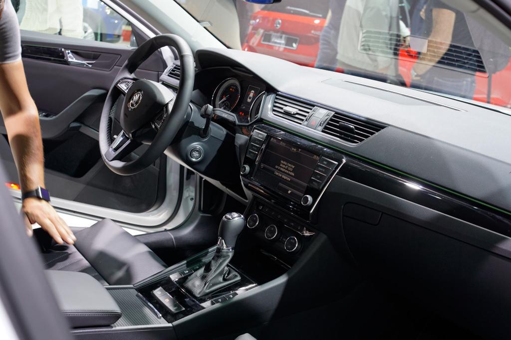 autos eu neuwagen skoda superb ambition limousine 1 5 tsi act 150ps dsg7 2019 sterreich. Black Bedroom Furniture Sets. Home Design Ideas
