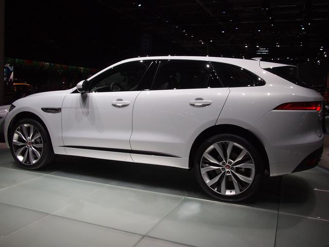 Jaguar F-Pace - E-Performance Portfolio
