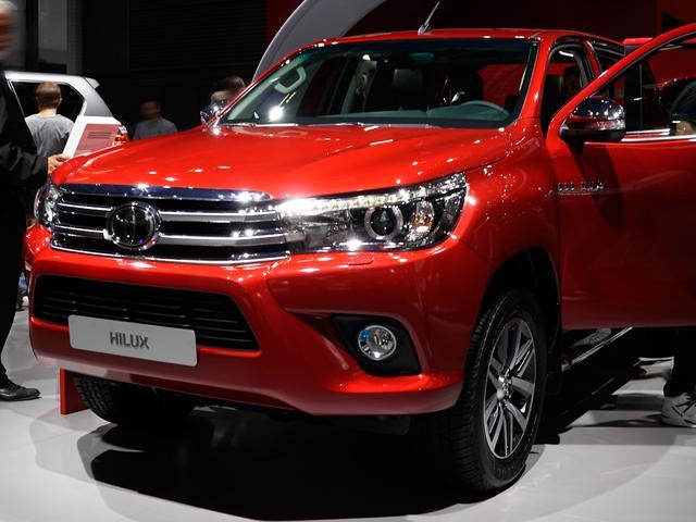 Toyota Hilux Double Cap - T3 2.4D 4x4, 150PS/110kW, 6-Gang-Schaltgetriebe