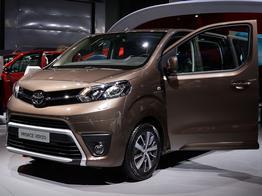 Toyota SpaceTourer, Das Bild ist ein beliebiges Beispiel der frei konfigurierbaren Modellreihe
