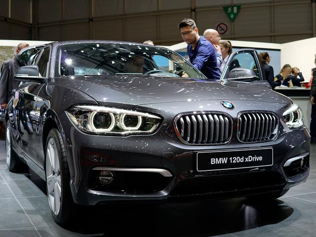 BMW 1er - 120d xDrive Edition Metropolitan A