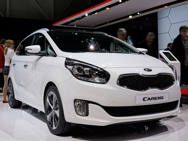 Kia Carens - 1.6 GDI Attract