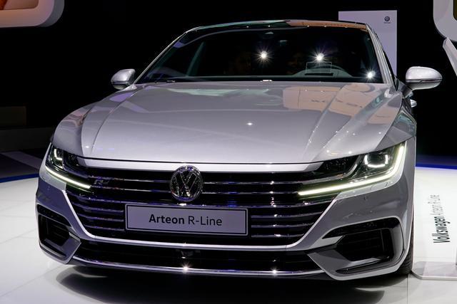 Vorlauffahrzeug Volkswagen Arteon - Elegance Business - LED/NAVI/PANORAMA