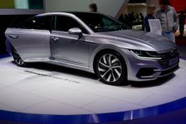 Volkswagen Arteon      2.0 TSI OPF 140kW DSG R-Line