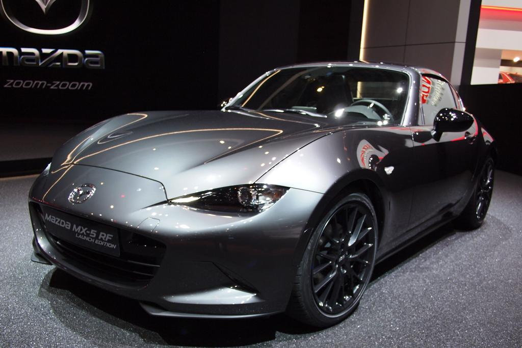 mazda mx 5 rf 2 0 skyactiv g 184 sports line beim. Black Bedroom Furniture Sets. Home Design Ideas