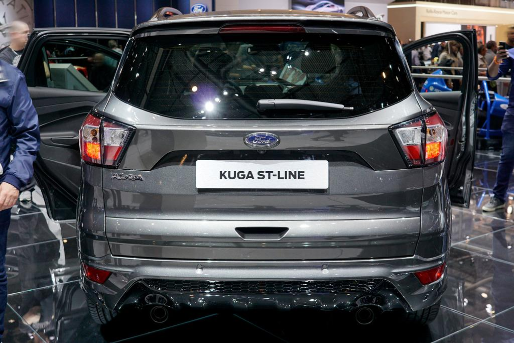 ford kuga 2 0 tdci 4x2 110kw st line beim autodiscountnord. Black Bedroom Furniture Sets. Home Design Ideas