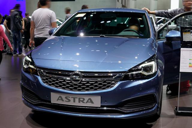 Opel Astra 5-Türer - 1.6 Turbo 120 Jahre 147kW S/S