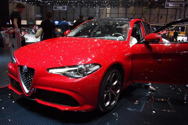 Alfa Romeo Giulia - 2.0 Turbo 16V 147kW AT8 Lusso Ti