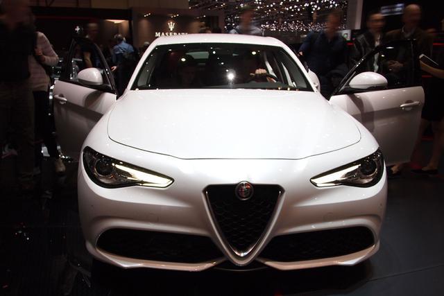 Alfa Romeo Giulia - 2.0 Turbo 16V 147kW AT8 Super