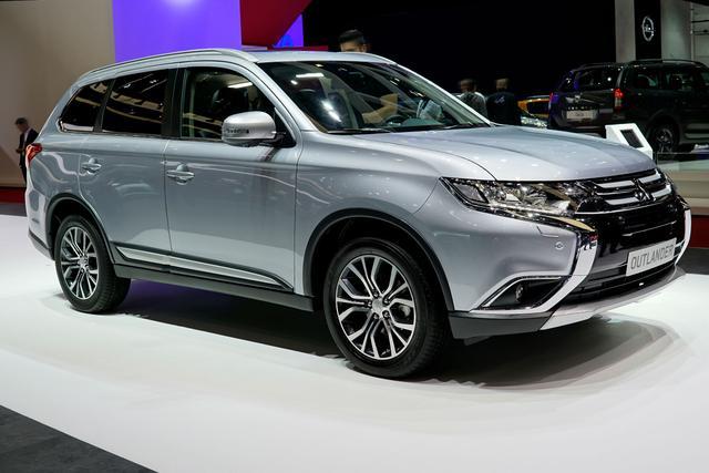Mitsubishi Outlander - 2.4 MIVEC PLUG-IN HYBRID 4WD